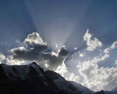 Sonnenlicht über dem Großglockner