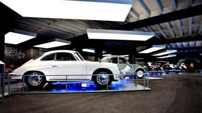 Automobilausstellung am Großglockner