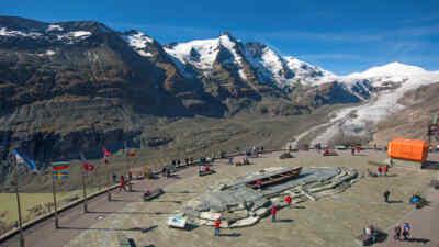 Kaiser-Franz-Josefs-Höhe mit Blick auf den Gletscher